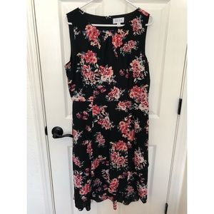 Elle Sleeveless Floral Dress